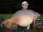 Carp Fishing in France Catch Report - 2 Buffallo grills, golden bollocks and the missing pirate