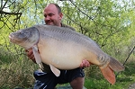 Carp Fishing in France Catch Report - Tino Tinson the two tog turkey farmer from turnipshire